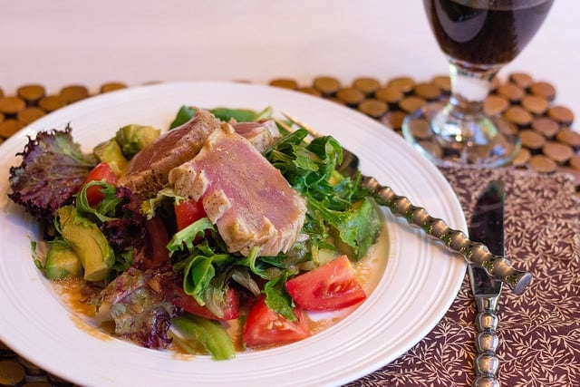 summer salad with seared tuna
