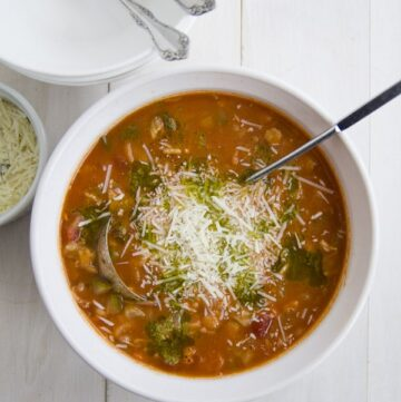 bowl of Italian minestrone soup