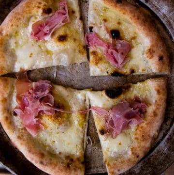Pizza with proscuitto Fior di latte